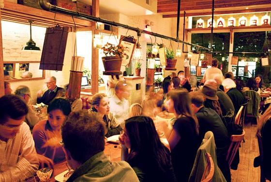 Restaurant Trend – Communal Tables